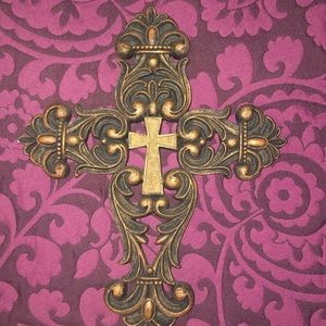 vintage like Accents - Beautiful Cross Home Decor